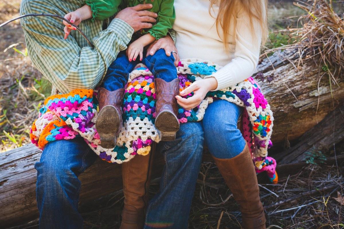 Famille relax au bois