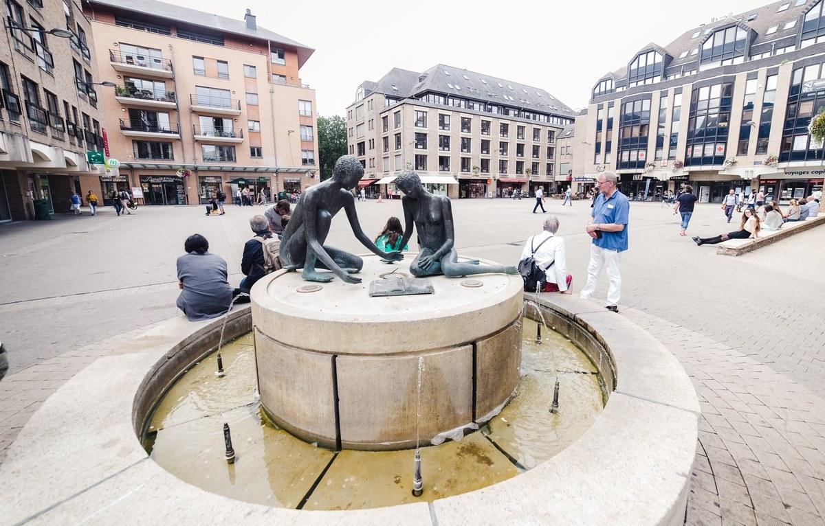 Place de l'Université - fontaine